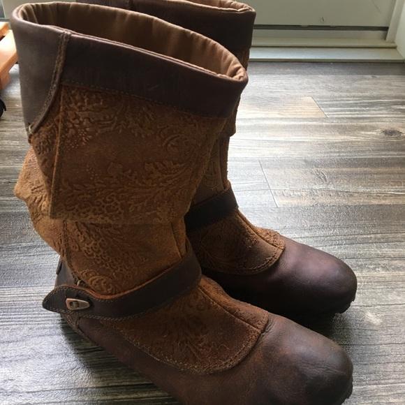Merrell Haven Pull Boots In Oak